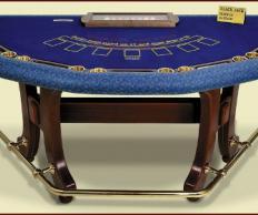 Фото Казино: Cтол для игры в блэк джэк/русский покер