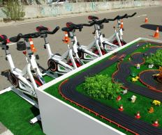 Фото Автогонки на велотренажерах