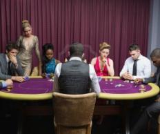 Фото Покер: Профессиональный покерный стол