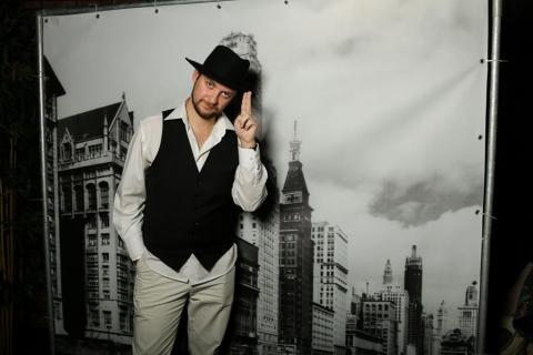 Фото Фотозона для гангстерской вечеринки